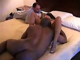 amateur,brunette,cuckold