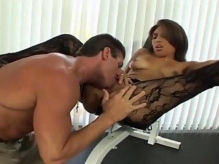 blowjob,brunette,couple
