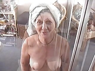 blowjobs,grannies,cum in mouth