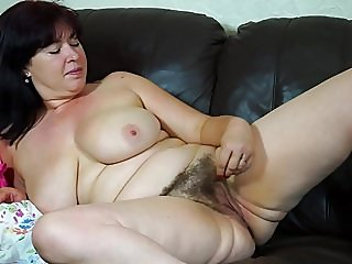 amateur,hairy,matures