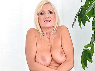 masturbation,matures,grannies