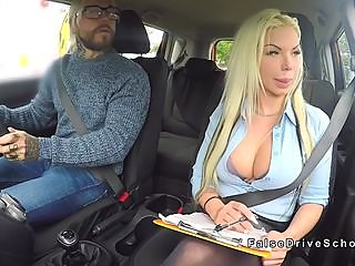 super,busty,driving