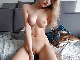 webcam,amateur,blonde