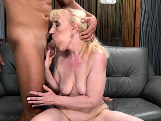 blonde,blowjob,facial