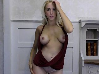 babe,big boobs,blonde