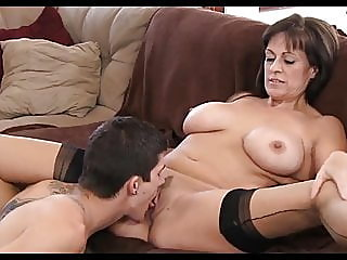 blowjob,brunette,mature