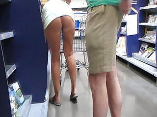 amateur,upskirt,flashing