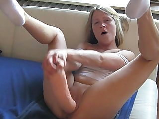 amateur,blonde,squirting