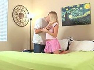 teen,nubile,blond