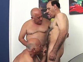 bareback (gay),daddies (gay),threesome
