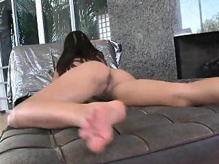 brunette,close-up,masturbation