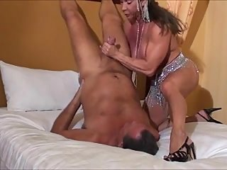 blowjob,handjobs,muscular women