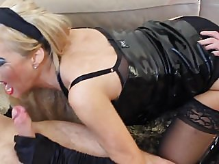 blondes,facials,milfs