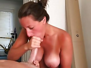 amateur,blowjobs,facials