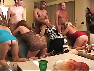 blowjobs,matures,group sex