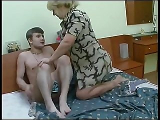 milfs,old+young,cum in mouth