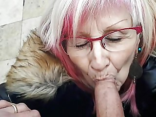 blowjobs,flashing,grannies