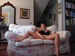 amateur,fingering,masturbation