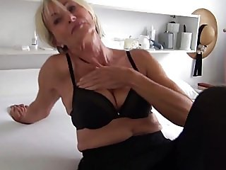fingering,masturbation,grannies