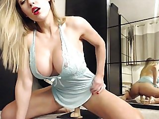 amateur,blondes,sex toys