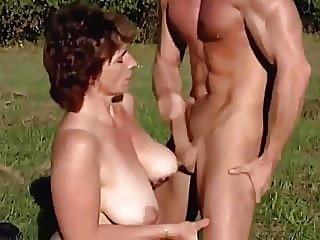 amateur,top rated,milf