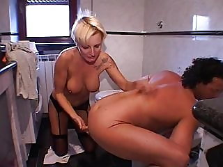 amateur,milf,threesome