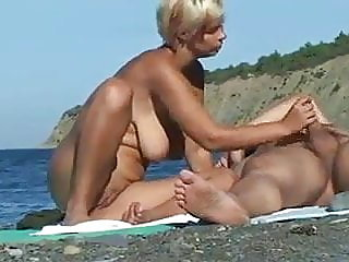 amateur,blowjob,public nudity