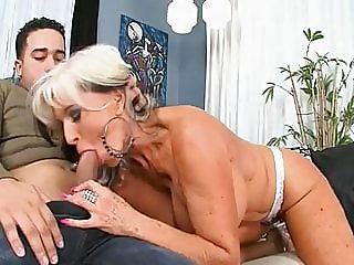 mature,granny,doggy style