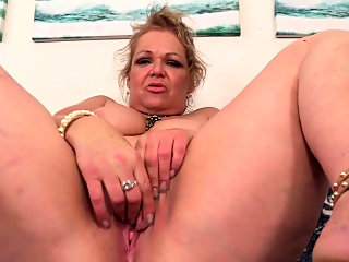 hd,masturbation,mature