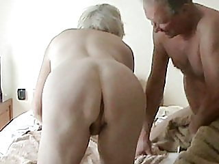 blonde,fingering,bisexual