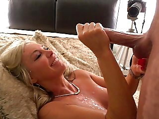 blonde,cumshot,bisexual