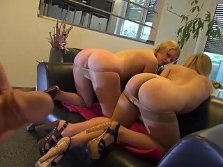 milfs,old+young,pov