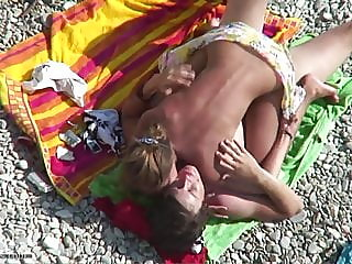 amateur,beach,hidden camera