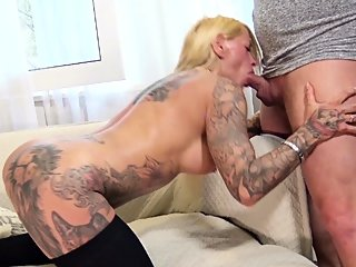 big boobs,blonde,blowjob