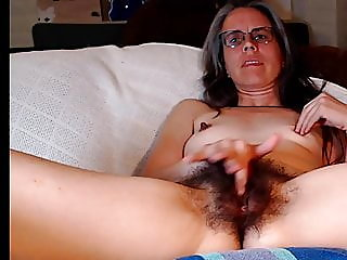 fingering,hairy,mature