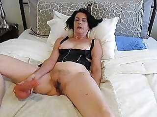 amateur,brunette,sex toy
