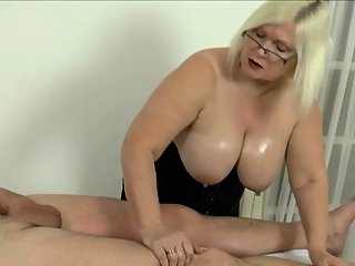 big boobs,blowjob,granny