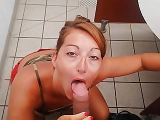 amateur,blowjob,shower
