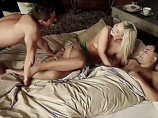 babe,blonde,blowjob