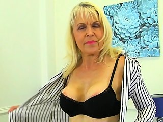 granny,hd,masturbation