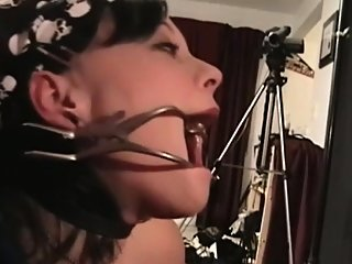 bdsm,blowjob,brunette