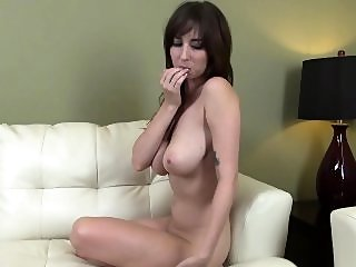 big boobs,brunette,hd