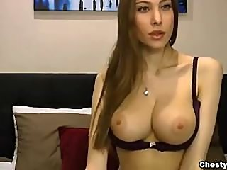 big tits,webcam,brunette